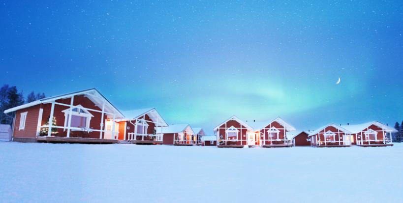 Cabins at the Santa Claus Holiday Village | Photo: Santa Claus Holiday Village