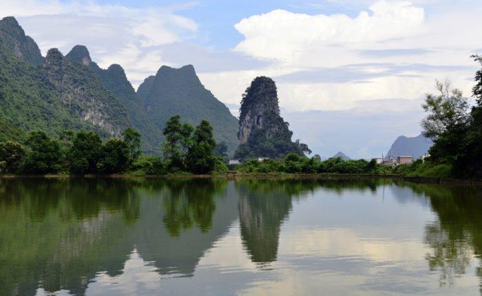 Shutterstock 205544386 Guilin Landscapes Li River